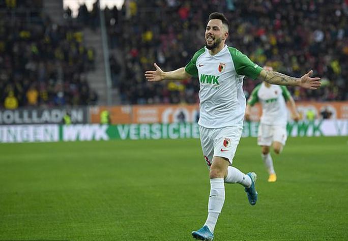 Lập hat-trick ra mắt Dortmund, thần đồng Haaland làm chao đảo Bundesliga - Ảnh 3.