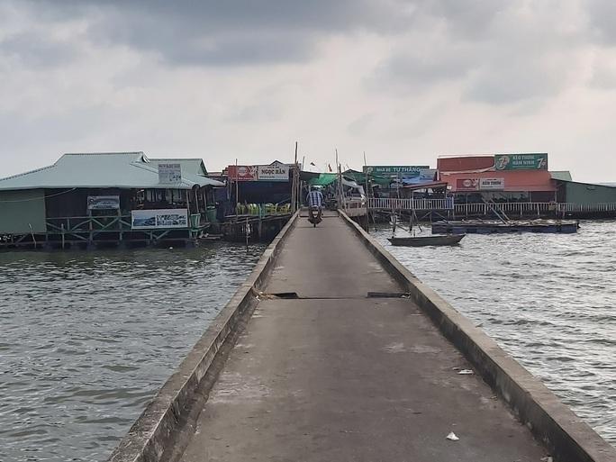4 người bị tạm giữ vì kích động việc phá dỡ cầu cảng ở Phú Quốc - Ảnh 2.