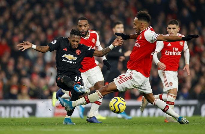 Vùi dập Man United, Arsenal thắng tưng bừng đại chiến - Ảnh 2.