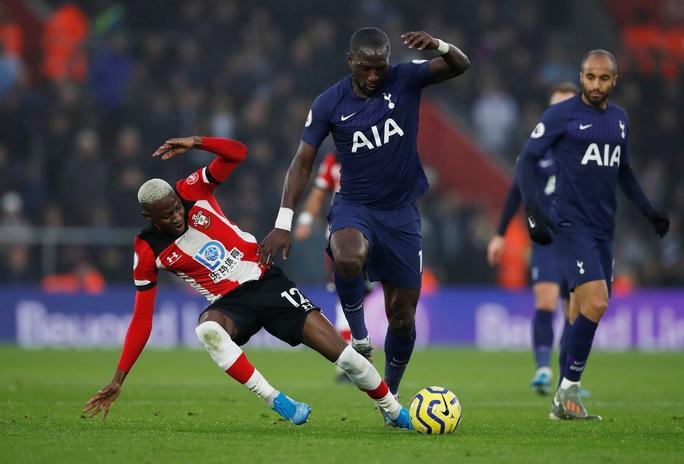 Mourinho tấu hài khi Tottenham thất bại vì VAR - Ảnh 5.