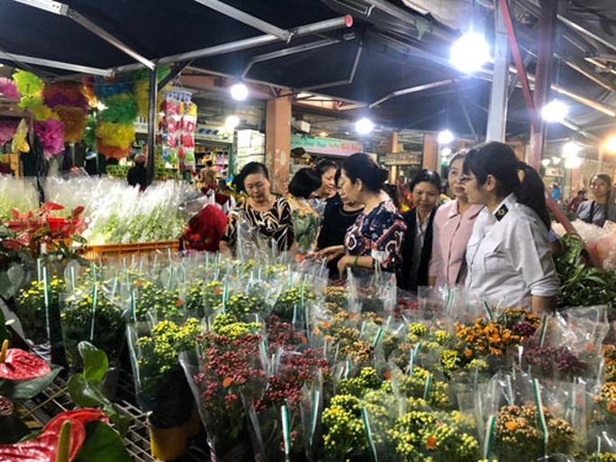 Hoa cắt cành phong phú, kiểng chậu tăng giá - Ảnh 1.