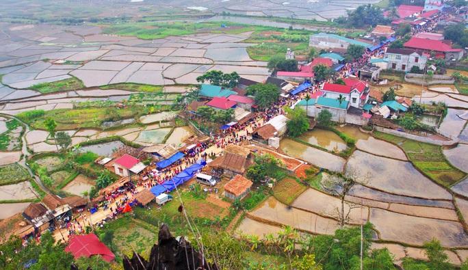 Độc đáo chợ phiên phố Đòn có từ thời Pháp ở vùng cao Thanh Hóa - Ảnh 2.