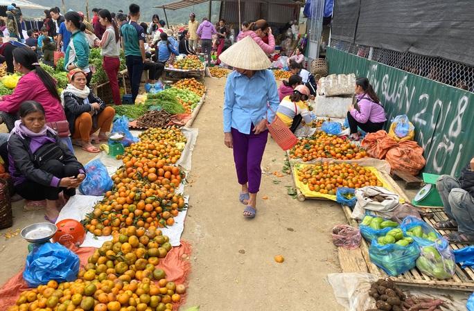 Độc đáo chợ phiên phố Đòn có từ thời Pháp ở vùng cao Thanh Hóa - Ảnh 4.