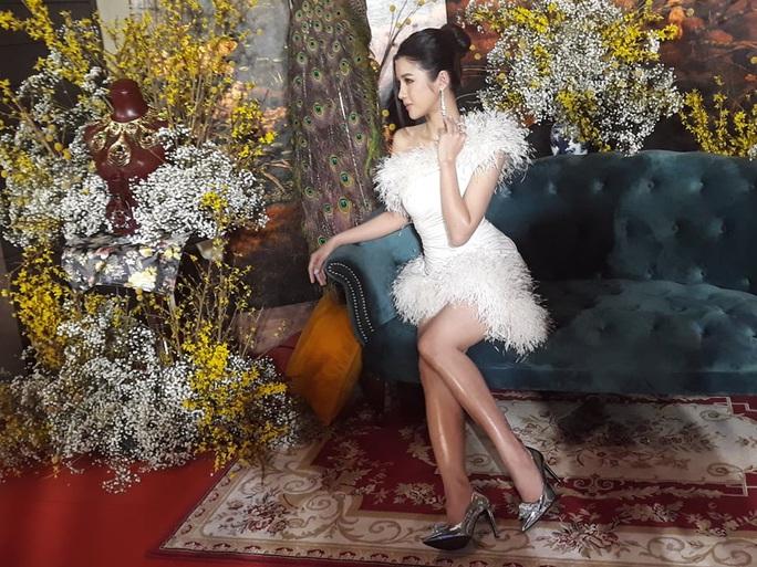 Ninh Dương Lan Ngọc khoe chân thon cùng Hội chăn chuối - Ảnh 15.