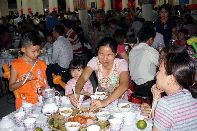 TP HCM: Gần 400 gia đình công nhân đón Tết sum vầy  - Ảnh 5.