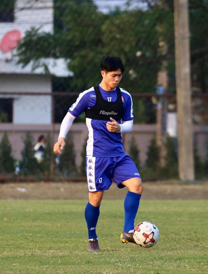 Buriram United chờ xem giò Công Phượng - Ảnh 1.