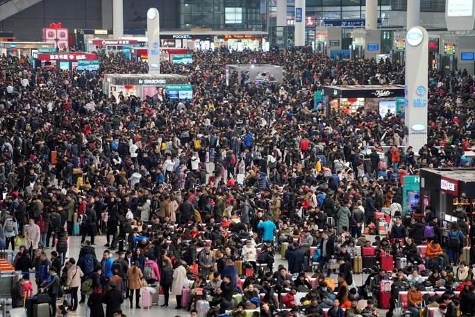 Đòn giáng mới lên kinh tế Trung Quốc, Việt Nam cũng dè chừng - Ảnh 1.