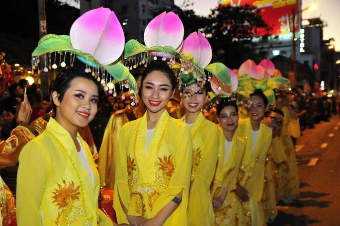 Hủy hoạt động lễ hội trong Tết Nguyên tiêu để phòng chống dịch bệnh corona - Ảnh 1.