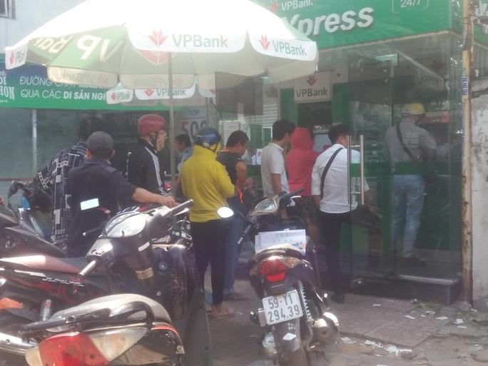 Các ngân hàng không được để ATM hết tiền trong dịp Tết - Ảnh 1.