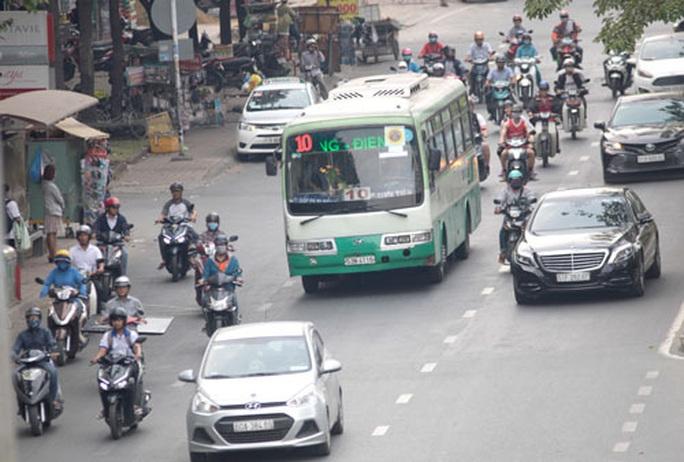Tăng bãi giữ xe, bố trí hợp lý xe buýt dịp Tết - Ảnh 2.