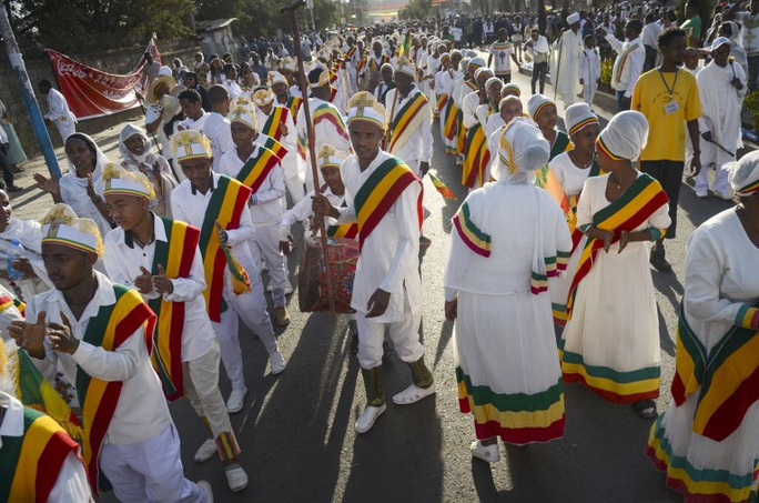 """Sập khu vực ghế ngồi """"xịn"""" tại lễ hội ở Ethiopia, hàng trăm người thương vong - Ảnh 4."""