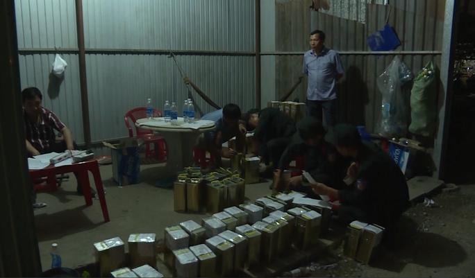 Khởi tố các chủ cửa hàng xài xăng giả của đại gia Trịnh Sướng - Ảnh 2.