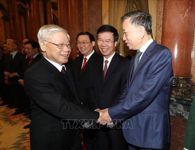 Tổng Bí thư, Chủ tịch nước Nguyễn Phú Trọng chúc Tết lãnh đạo, nguyên lãnh đạo Đảng và Nhà nước - Ảnh 5.