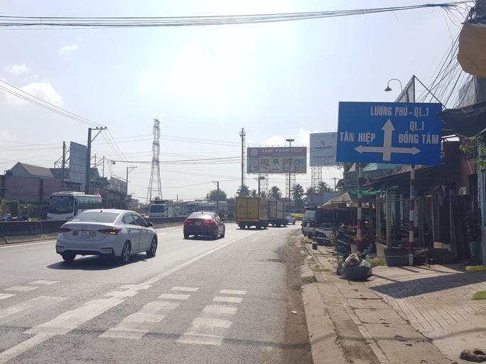 Xe cộ đang sướng rơn người trên đường về miền Tây - Ảnh 4.