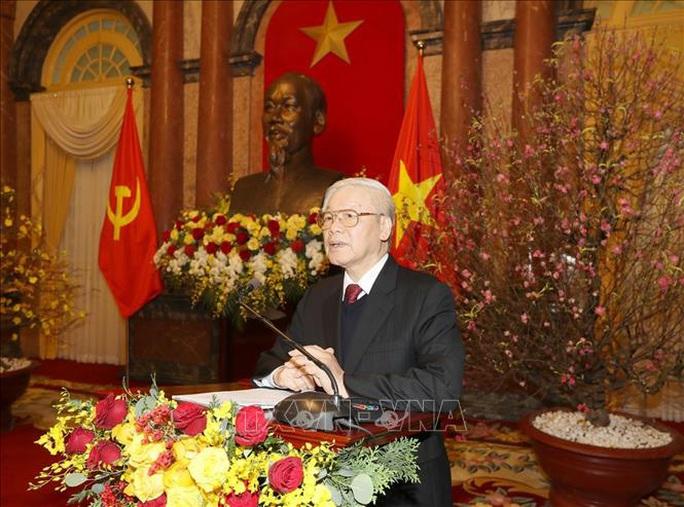 Tổng Bí thư, Chủ tịch nước Nguyễn Phú Trọng chúc Tết lãnh đạo, nguyên lãnh đạo Đảng và Nhà nước - Ảnh 1.
