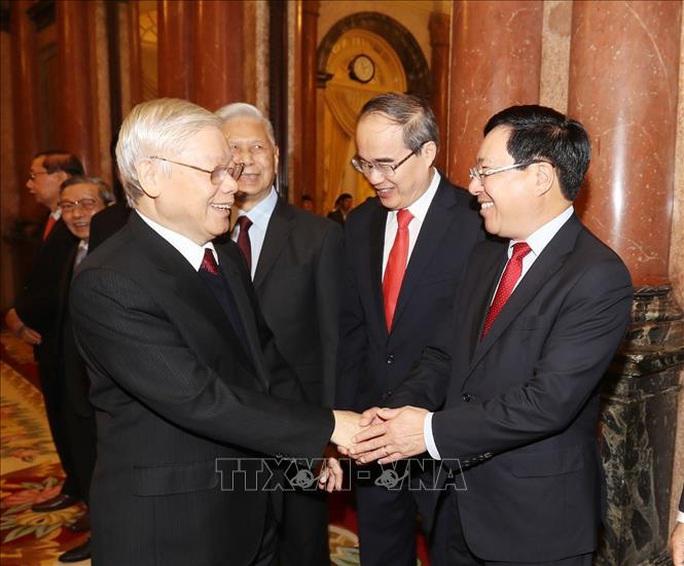 Tổng Bí thư, Chủ tịch nước Nguyễn Phú Trọng chúc Tết lãnh đạo, nguyên lãnh đạo Đảng và Nhà nước - Ảnh 4.
