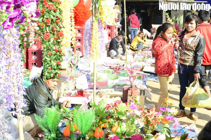 Đi phiên chợ Tết Y-Leng… có liền bạn gái - Ảnh 4.