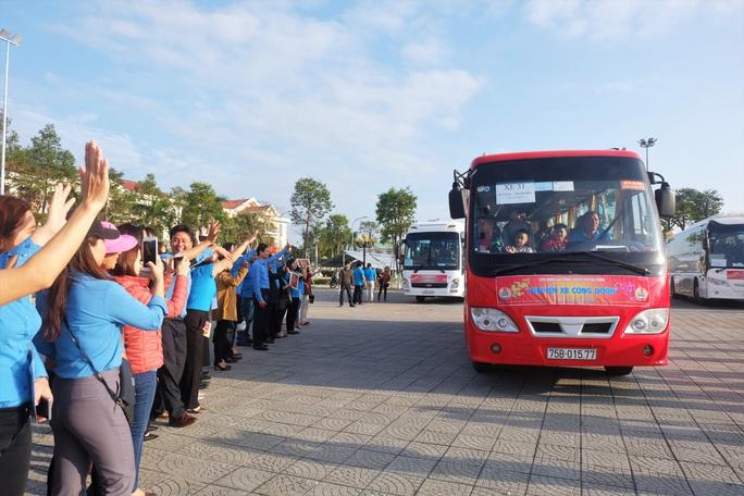 Đà Nẵng: Niềm vui 2.500 lao động trên Chuyến xe Công đoàn - Ảnh 3.