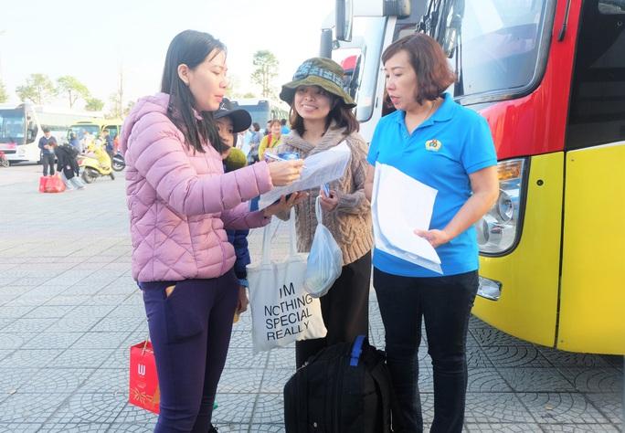 Đà Nẵng: Niềm vui 2.500 lao động trên Chuyến xe Công đoàn - Ảnh 1.