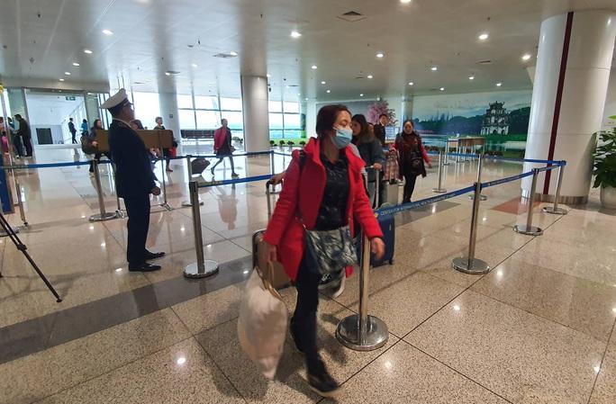 Thêm một du khách nhập cảnh Việt Nam nghi ngờ mắc viêm phổi cấp - Ảnh 1.