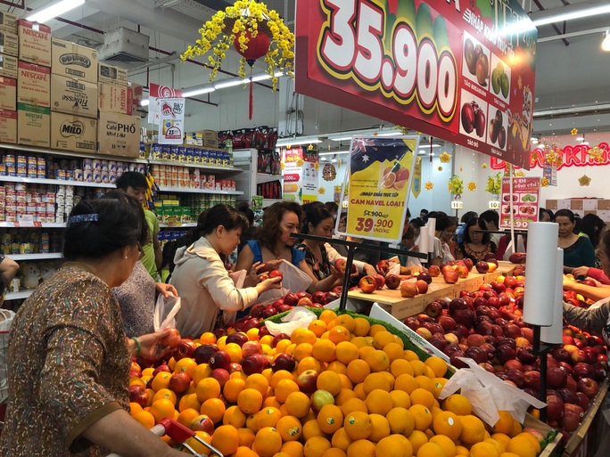 Chợ ế toàn tập, người bán trái cây, thịt heo khóc ròng - Ảnh 10.