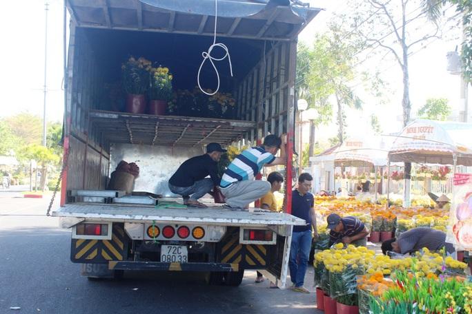 Xin hãy mua hoa, đừng chờ đến trưa 30 Tết! - Ảnh 10.