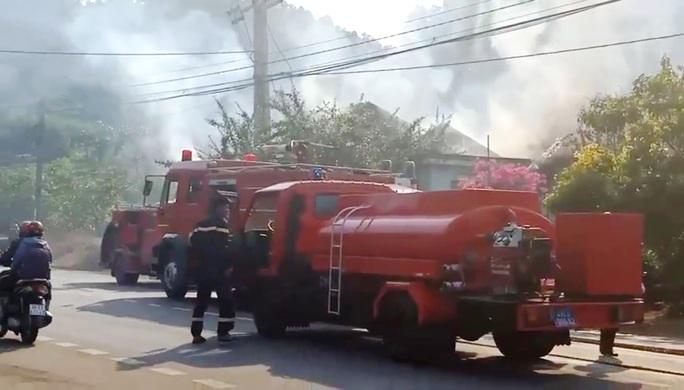 Cháy lớn tại Cơ sở Bảo trợ xã hội Madagui Đạ Huoai - Lâm Đồng - Ảnh 2.