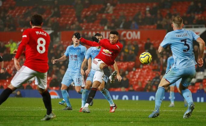 Man United thua sấp mặt, Burnley lập kỳ tích tại Old Trafford - Ảnh 7.