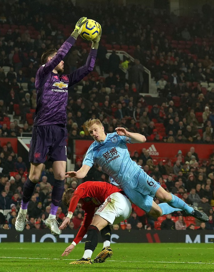 Man United thua sấp mặt, Burnley lập kỳ tích tại Old Trafford - Ảnh 1.