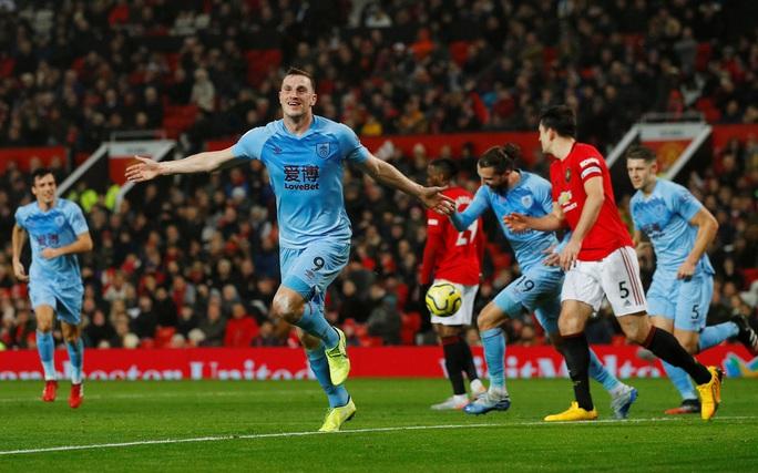 Man United thua sấp mặt, Burnley lập kỳ tích tại Old Trafford - Ảnh 4.