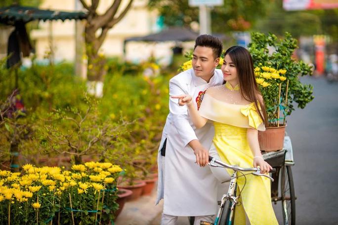 Nghệ sĩ Việt đón Tết đầm ấm bên gia đình - Ảnh 9.