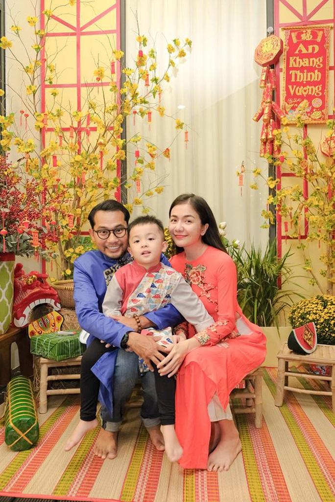 Nghệ sĩ Việt đón Tết đầm ấm bên gia đình - Ảnh 8.