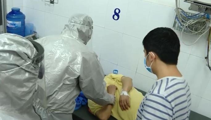 Thủ tướng tặng bằng khen Bệnh viện Chợ Rẫy vì trị hết bệnh corona - Ảnh 1.