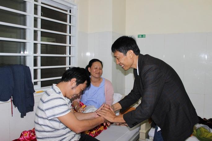 Những nụ cười đêm giao thừa tại bệnh viện Thiện Hạnh - Ảnh 3.