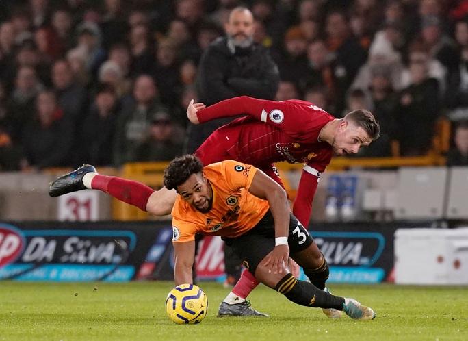 Thần tài Firmino tỏa sáng, Liverpool thắng nghẹt thở chủ nhà Wolverhampton - Ảnh 1.