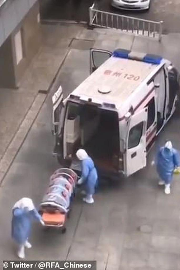 Những hình ảnh có một không hai trong tâm dịch virus Vũ Hán - Ảnh 2.