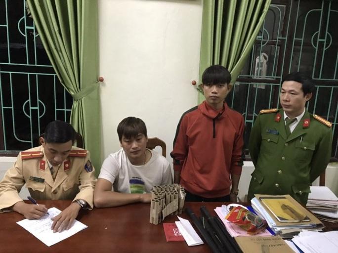 """Quảng Bình: 52 đối tượng đốt pháo """"đón giao thừa""""  bị bắt giữ - Ảnh 1."""