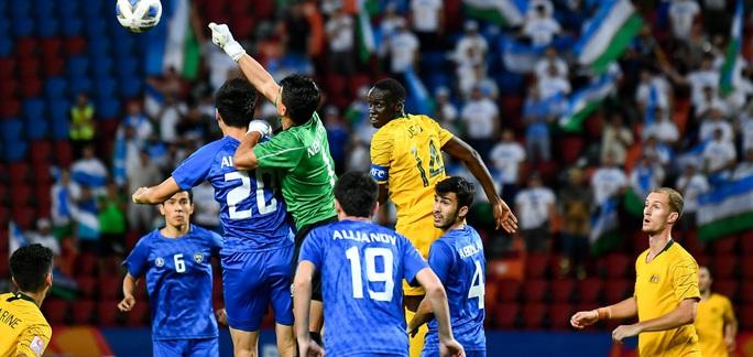 Đánh bại ĐKVĐ Uzbekistan, U23 Úc giành vé dự Olympic 2020 - Ảnh 6.