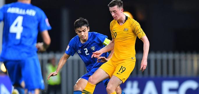 Đánh bại ĐKVĐ Uzbekistan, U23 Úc giành vé dự Olympic 2020 - Ảnh 2.