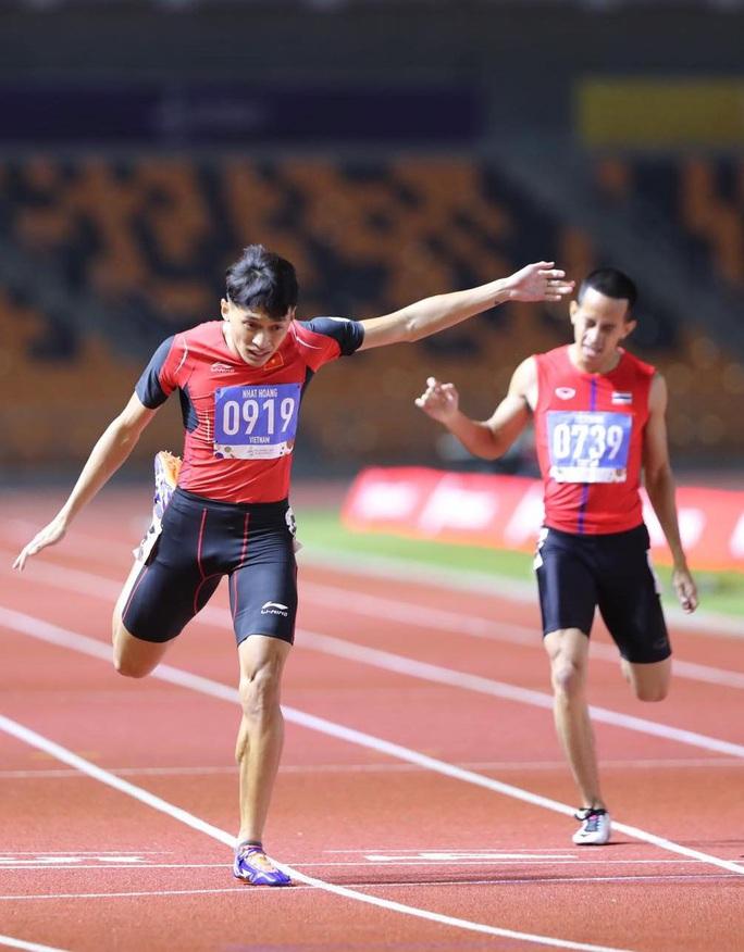 Người múa quạt Trần Nhật Hoàng và hat-trick vàng SEA Games 30 - Ảnh 2.