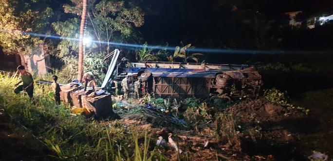 Tai nạn xe khách, 21 người bị thương - Ảnh 3.