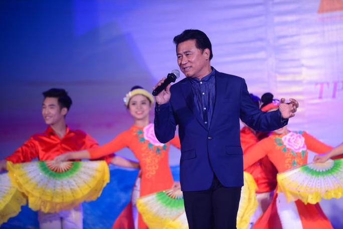 NSND Tạ Minh Tâm: Tuổi Tý 60 vẫn còn sung - Ảnh 3.