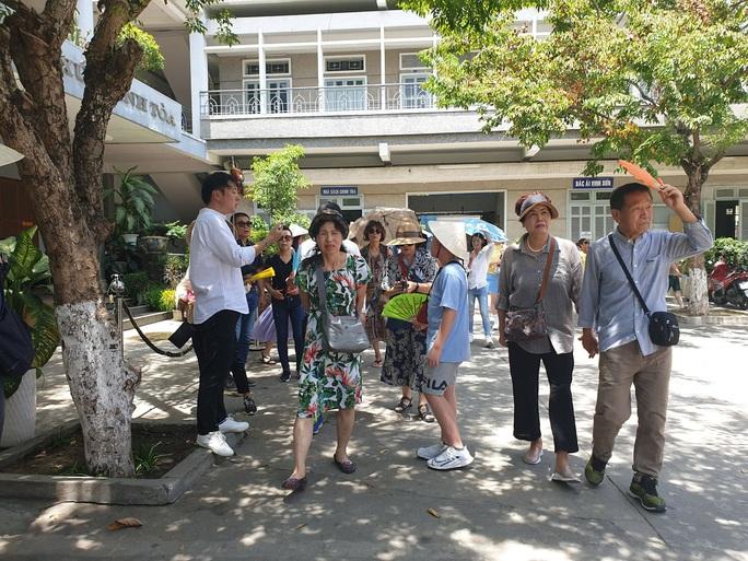 Đoàn khách Trung Quốc ở Đà Nẵng sẽ bay trực tiếp về Vũ Hán - Ảnh 1.