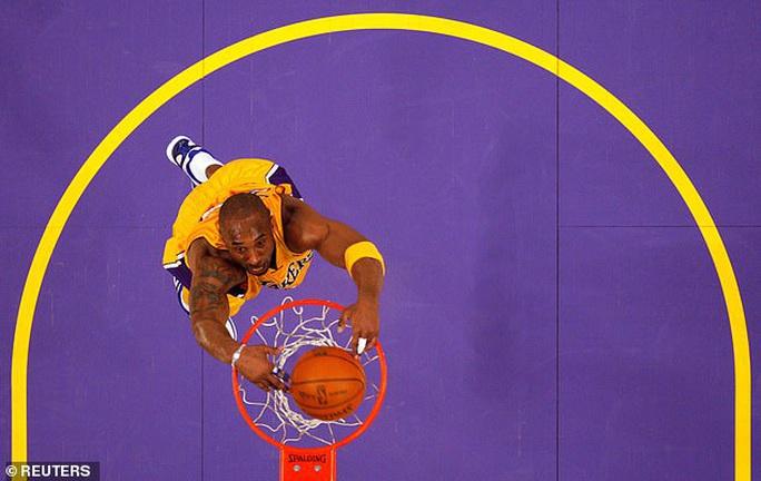 Huyền thoại bóng rổ Kobe Bryant tử nạn máy bay - Ảnh 4.