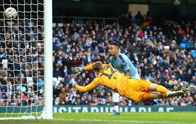 Man United mở tiệc bàn thắng, Man City vào vòng 5 FA Cup - Ảnh 2.
