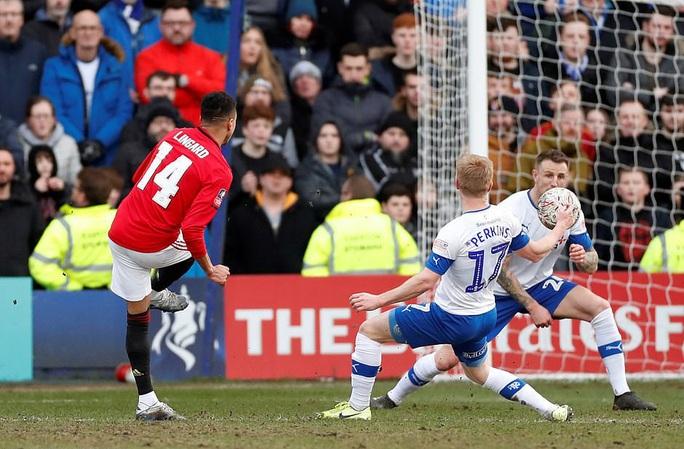 Man United mở tiệc bàn thắng, Man City vào vòng 5 FA Cup - Ảnh 4.