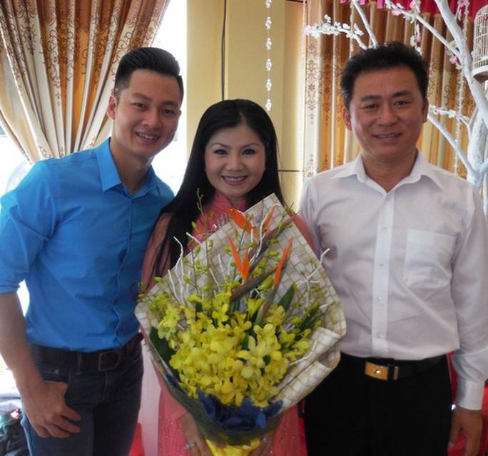 NSND Tạ Minh Tâm: Tuổi Tý 60 vẫn còn sung - Ảnh 4.