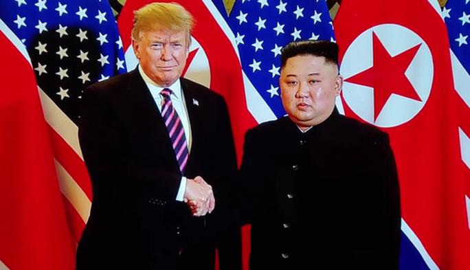 Việt Nam và những cái bắt tay đáng nhớ năm 2019 - Ảnh 1.