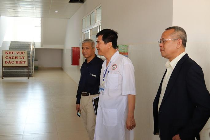 Bệnh viện vùng Tây Nguyên sẵn sàng 200 giường bệnh ứng phó virus corona - Ảnh 2.