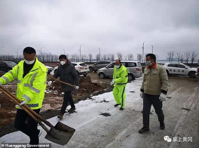 Virus Vũ Hán: Trung Quốc dựng bệnh viện trong… 2 ngày - Ảnh 2.
